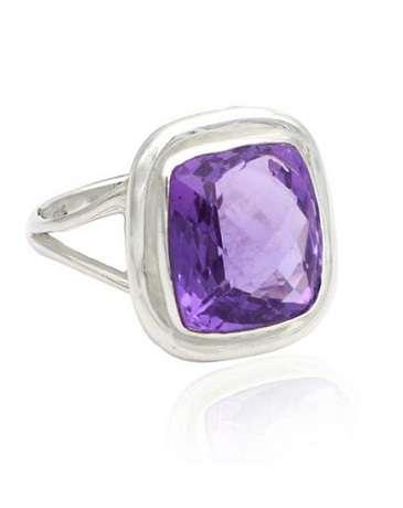 Prachtige Amethist ring met gefacetteerde steen, in hoog kwaliteit zilver 'By Kanchan'.